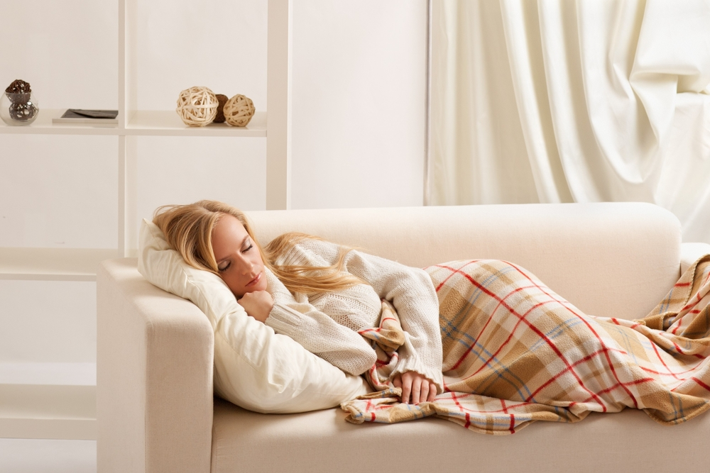 Укутаться пледом и поспать