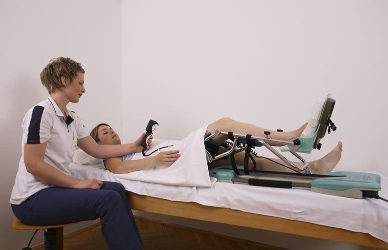 Уход за больными с переломом шейки бедра в домашних условиях