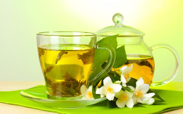 Зеленый травяной чай поможет очистить сосуды