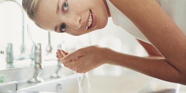 Умывать лицо