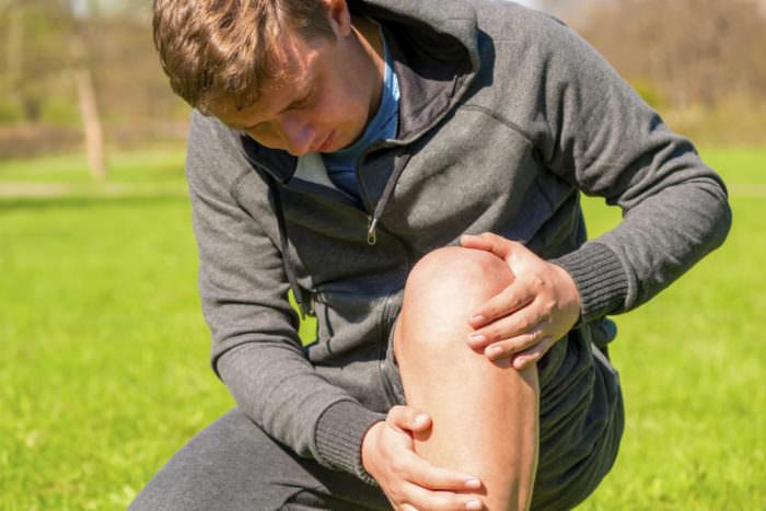 Боль в коленном суставе