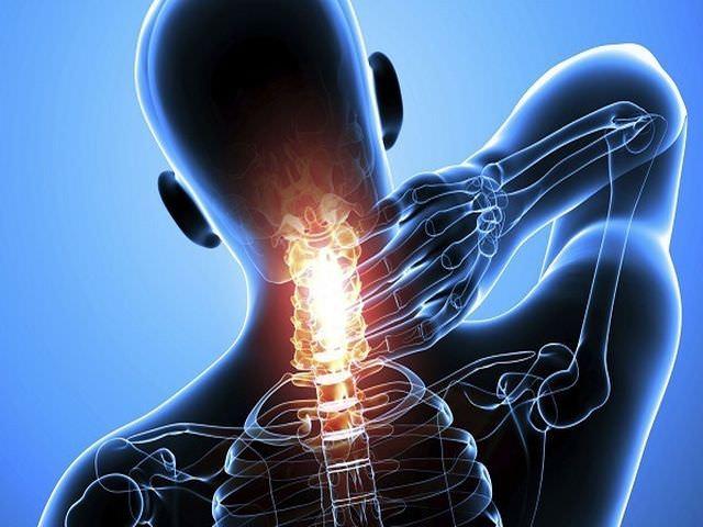 Симптомы заболевания позвоночного столба