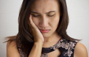 Как делать точечный массаж при зубной боли