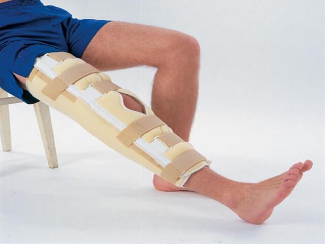 Ортез на ноге
