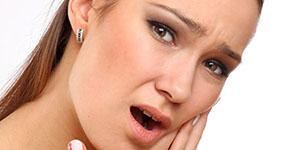 Болит зуб и десна