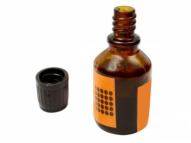 Маленькая бутылочка с йодом