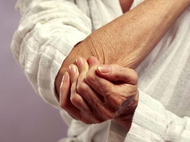 сильная боль в локтевом суставе
