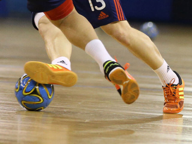 Причины повреждения колена
