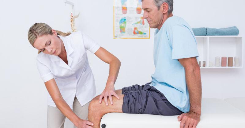 Обращение к врачу при осложнениях после внутрисуставных инъекций