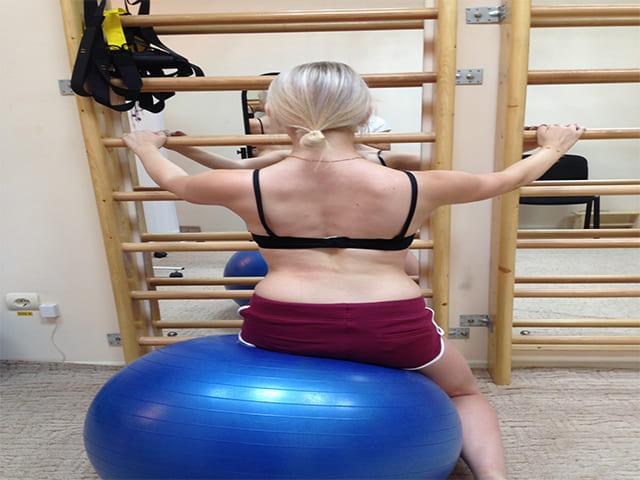 Лечебная гимнастика от Катарины Шрот при сколиозе