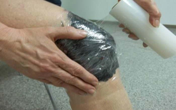 Мумие на колене