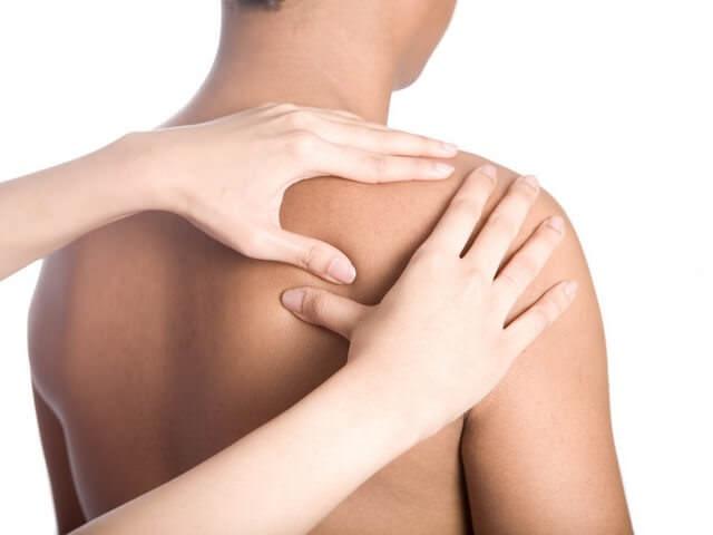 Падение на плечо